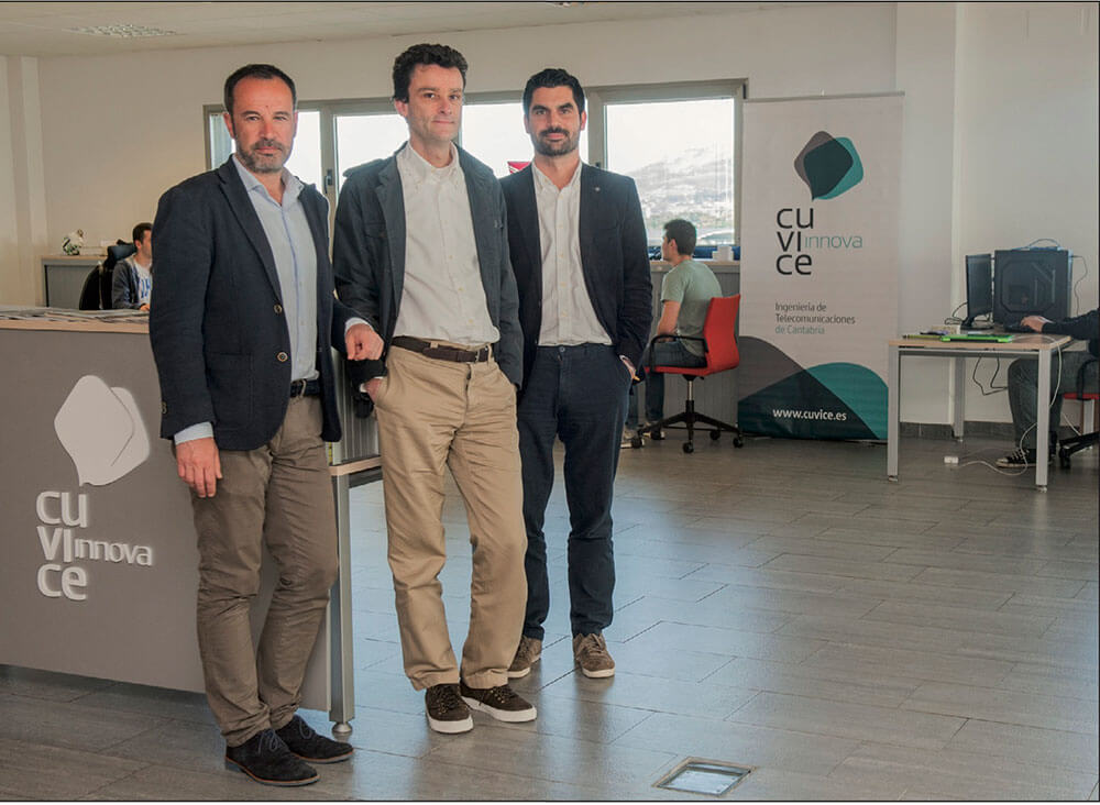Los fundadores de Cúvice, Oscar Fomperosa, Eduardo García y Juan Belloso en la sede de la empresa.